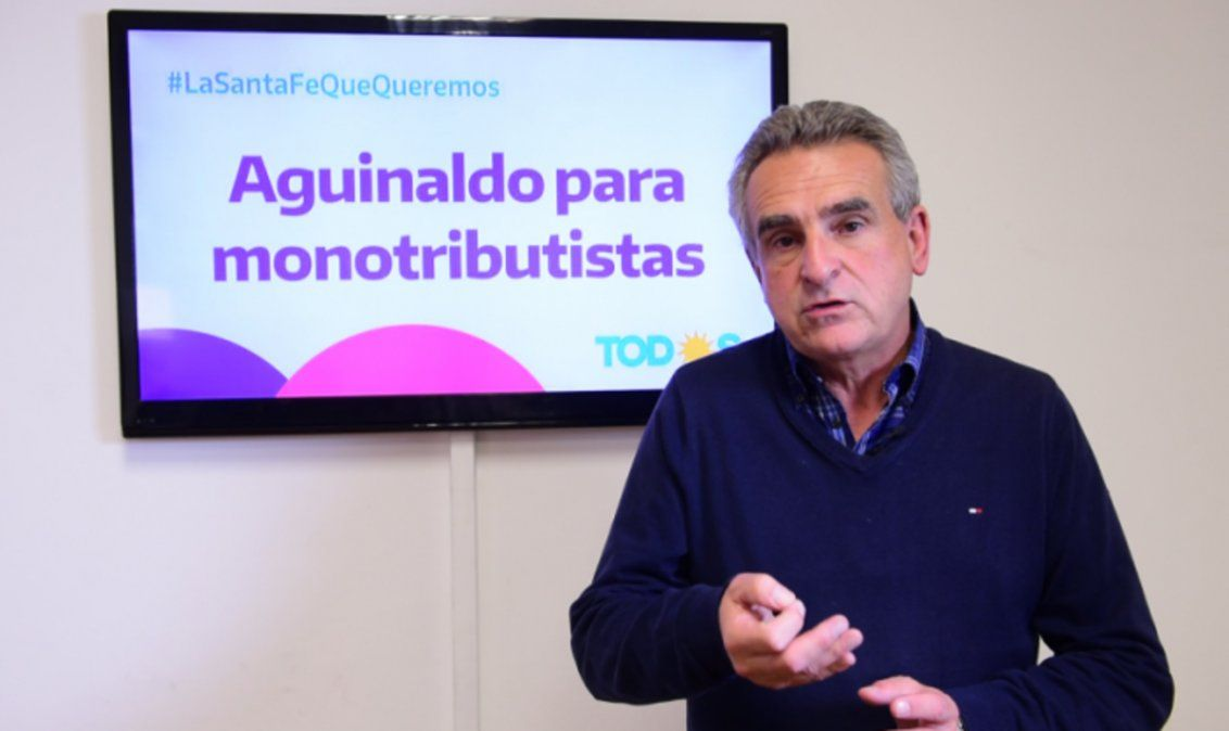 Agustín Rossi, el precandidato que propone aguinaldo para monotributistas.