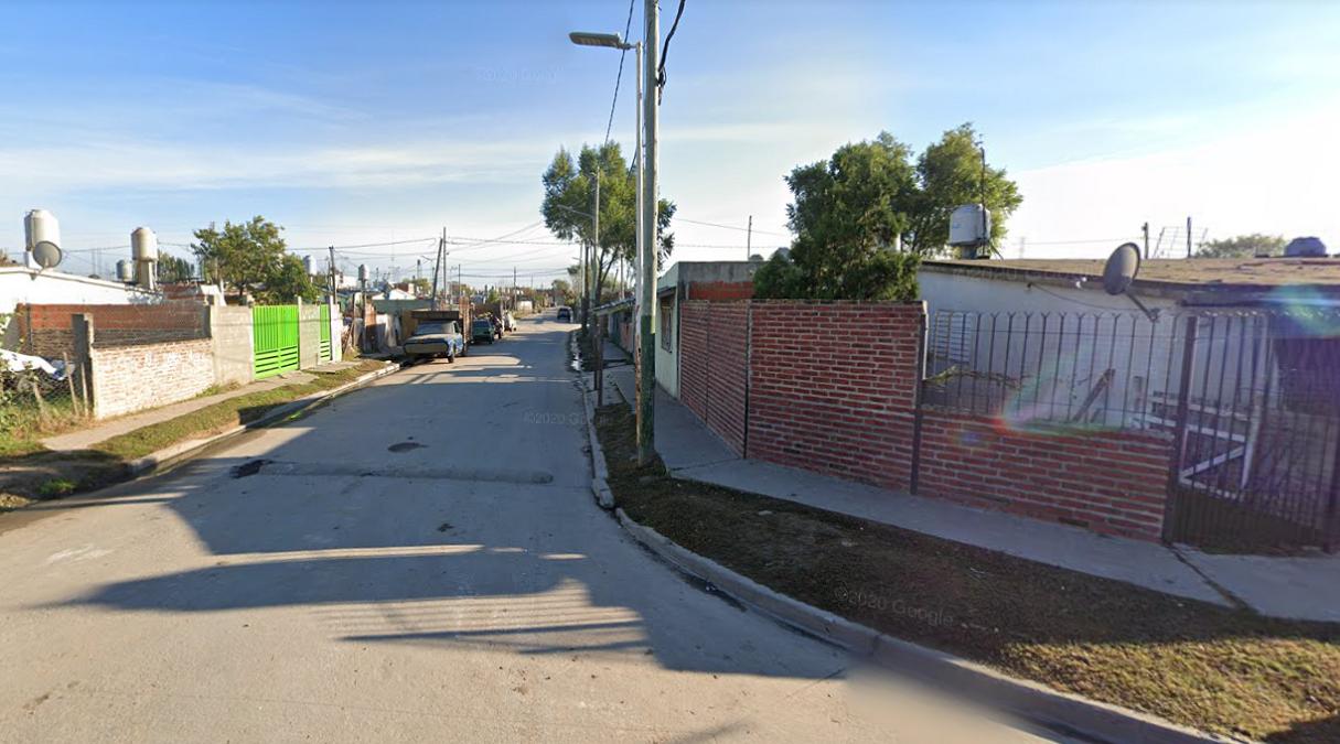 Balearon a un joven en Lomas y lo dejaron tirado en la calle